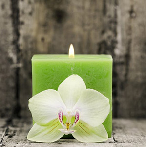 green-candle-sm